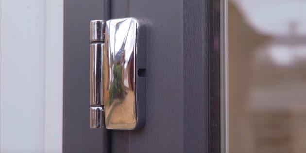 Как отрегулировать пластиковые двери: получите доступ к горизонтальному регулировочному винту