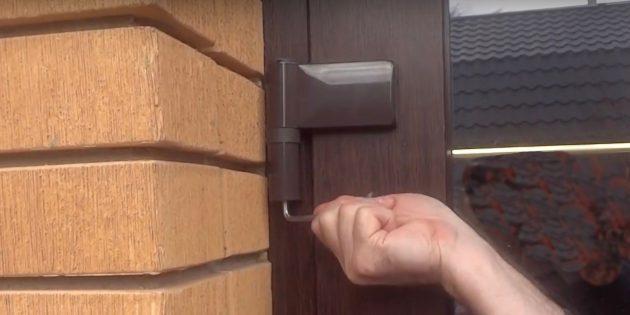 Как отрегулировать пластиковые двери: сделайте ¾ оборота или один полный оборот