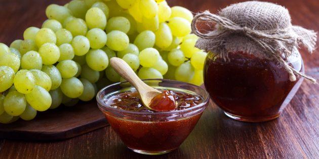 Варенье из винограда с гвоздикой и корицей