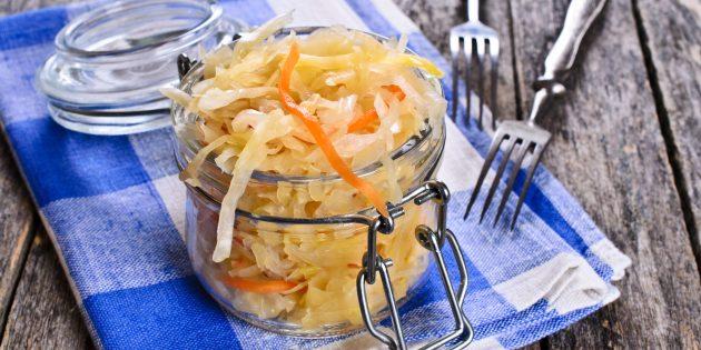 Быстрая маринованная капуста с морковью