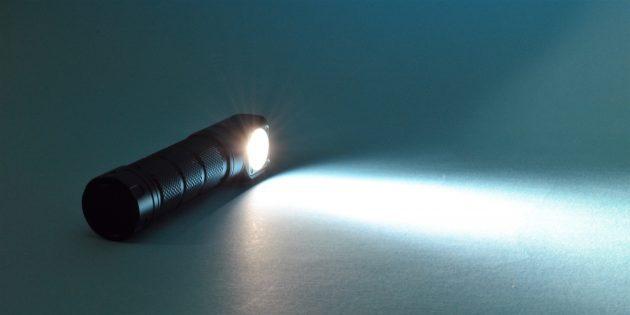 Как выжить в зомби-апокалипсис: вам нужен фонарь