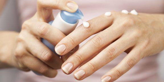 Меньше воды, больше масла: как быстро укрепить ногти