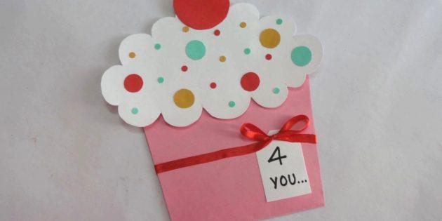 Как сделать выдвигающуюся открытку-кексик на день рождения своими руками