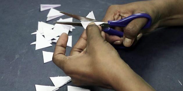 Открытка на день рождения своими руками: вырежьте треугольники из белой бумаги
