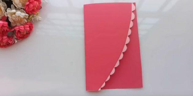 Открытка на день рождения своими руками: разрежьте лист розовой бумаги поперёк пополам