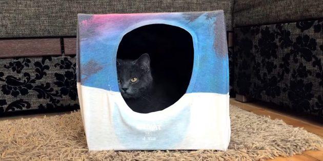 Как сделать домик для кошки из коробки и футболки своими руками