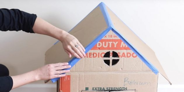 Домик для кошки своими руками: приклейте крышу
