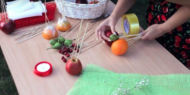 Как сделать букет из целых фруктов