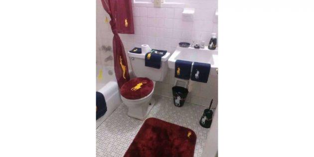Polo в туалете