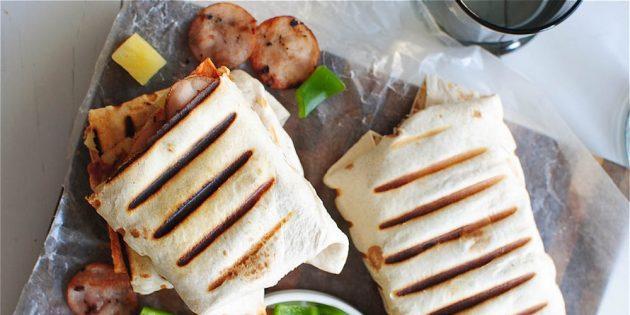 как приготовить буррито с курицей, ветчиной и ананасами
