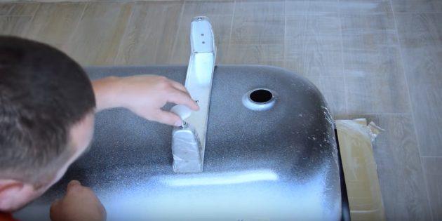 Установка ванны: как монтировать ножки стальной ванны