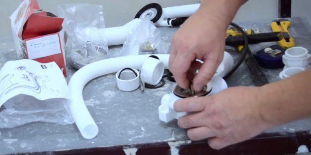 Установка ванны своими руками: Соберите сливную арматуру