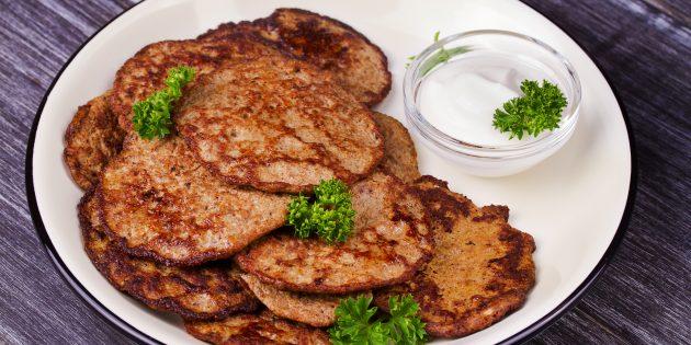 Печёночные оладьи с картошкой: простой рецепт
