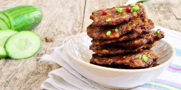 Печёночные оладьи с кабачком: простой рецепт