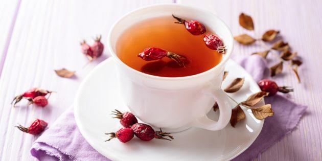 Чай с шиповником, орехами и корицей