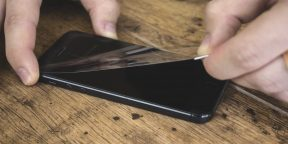 Как снять защитное стекло с телефона, не повредив экран