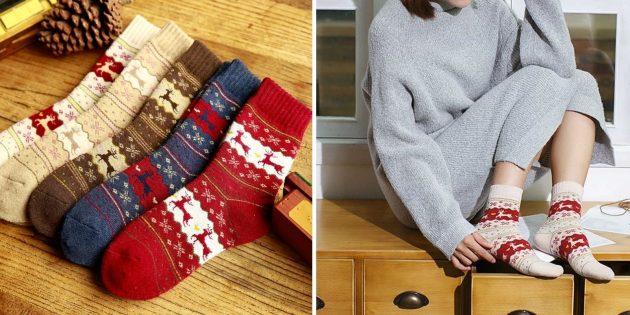 Новогодние подарки с AliExpress дешевле 100 рублей: носки с оленями