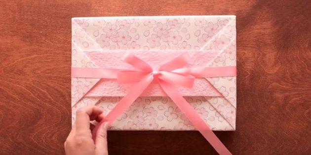 Как сделать упаковку с полоской для прямоугольного подарка