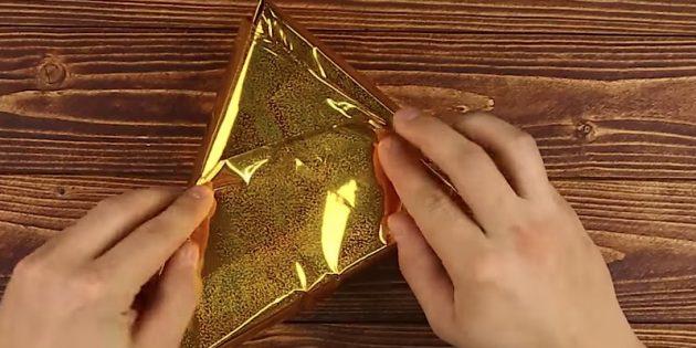 Оберните подарок бумагой