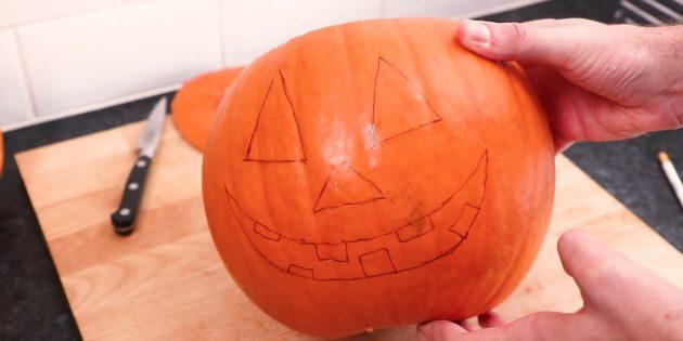 Тыква на Хэллоуин своими руками: нарисуйте рожицу