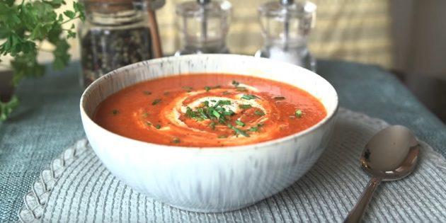 Томатный суп-пюре из цветной капусты, болгарского перца, лука и чеснока: простой рецепт