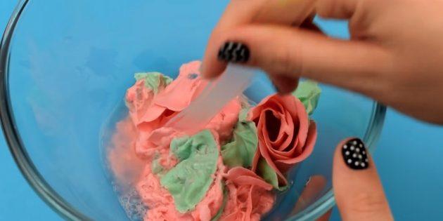 Как сделать слайм без клея: разомните лепестки