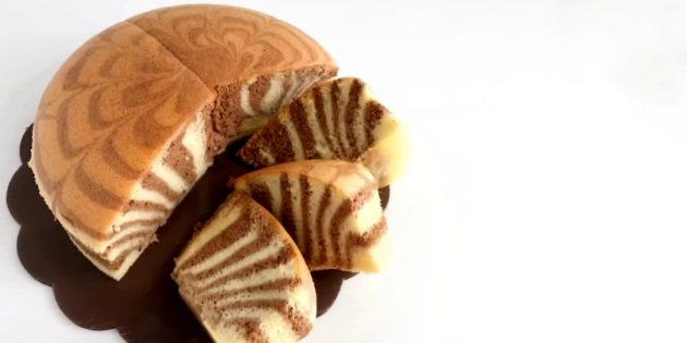 Бисквитный пирог «Зебра»