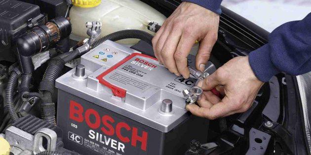 промывка радиатора печки: снимите клеммы с аккумулятора