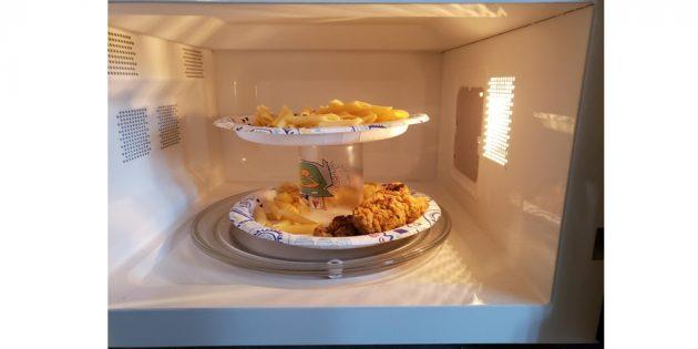 как разогреть две тарелки в микроволновке