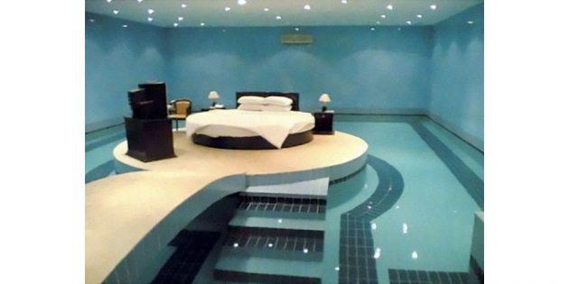 спальня в бассейне