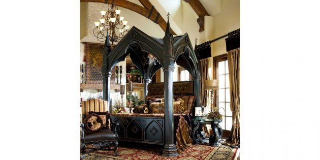 кровать в стиле готики
