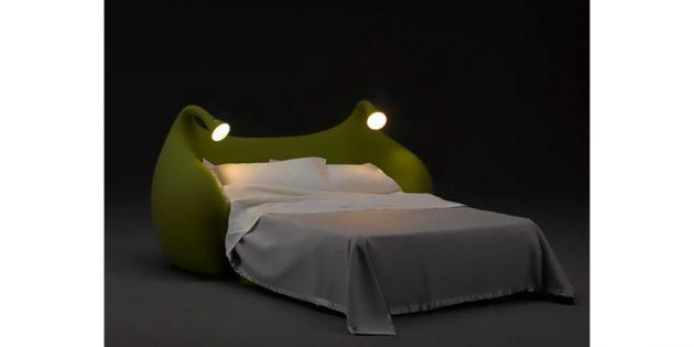 кровать с ночниками