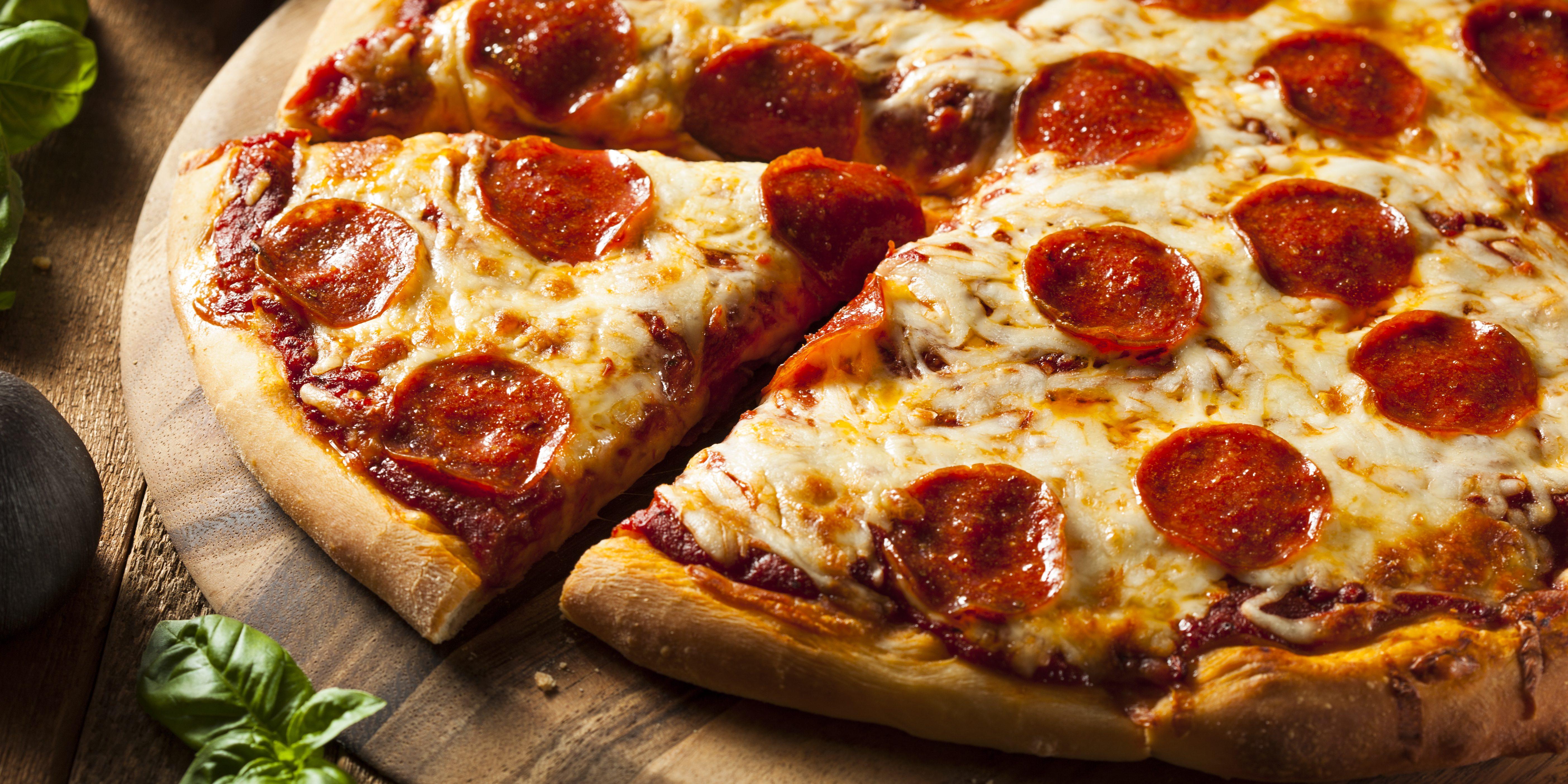 Пицца с томатной пастой