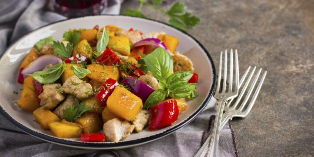 10 krasivyh i aromatnyh salatov iz tykvy