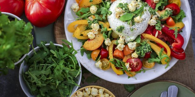 10 ярких салатов с болгарским перцем, которые готовят хорошие хозяйки