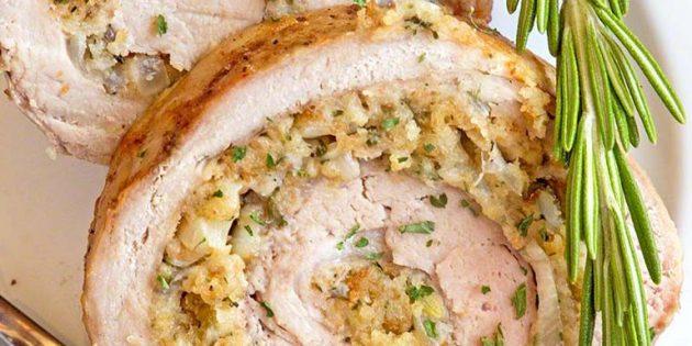 Мясной рулет из свинины с луком