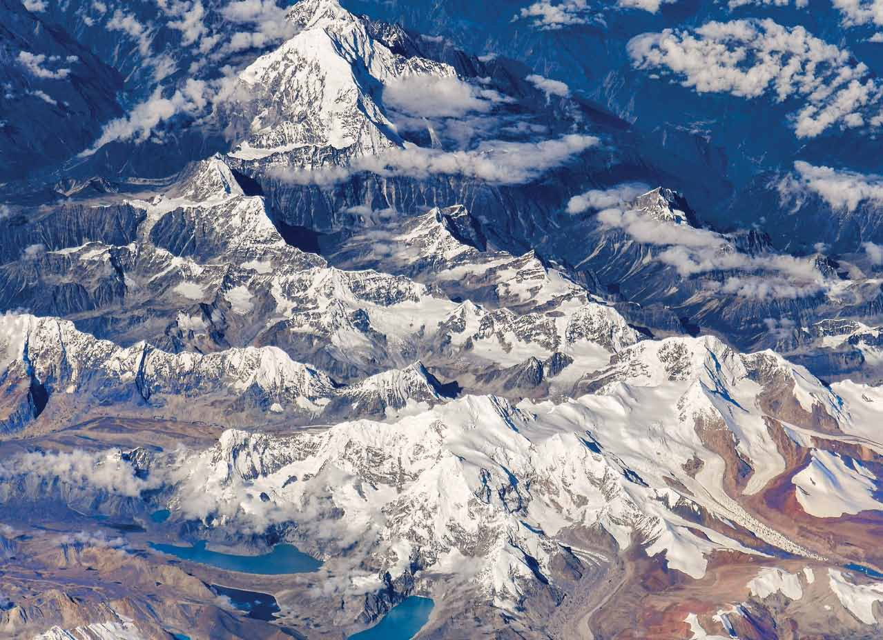 Фото Земли из космоса: Эверест