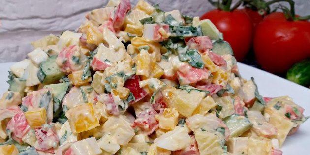 Простой рецепт салата с болгарским перцем и крабовыми палочками