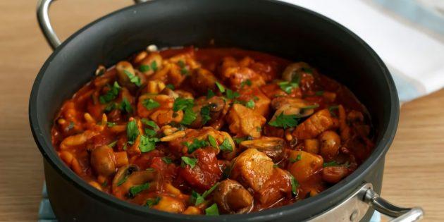 Простой рецепт гуляша из свинины с грибами