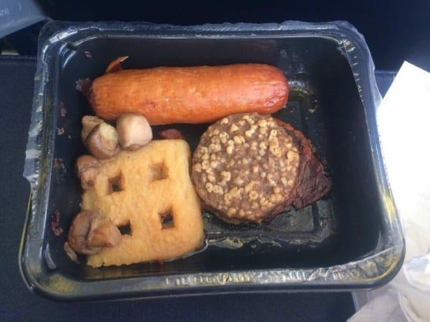 Курица или говядина? 11 примеров отвратительной еды из самолётов