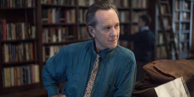 Ричард Э. Грант в фильме «Сможете ли вы меня простить?»