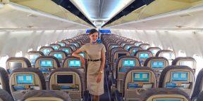 «В наш самолёт 19 раз ударила молния». Интервью со стюардессой Светланой Демаковой