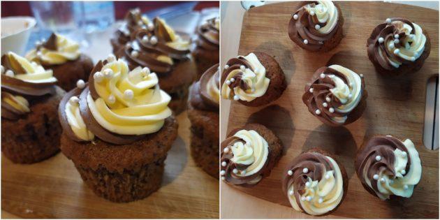 Шоколадно-ореховые капкейки с двухцветным кремом из сгущёнки: простой рецепт