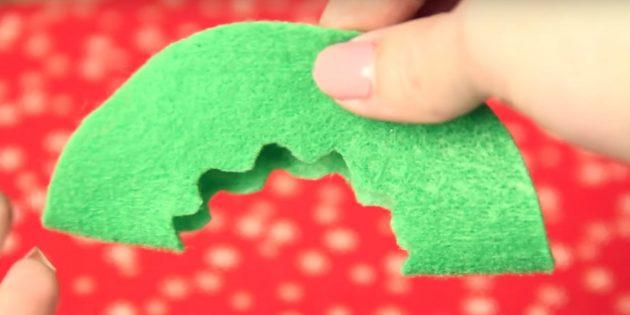 Ёлочные игрушки своими руками: сделайте узор на одной детали