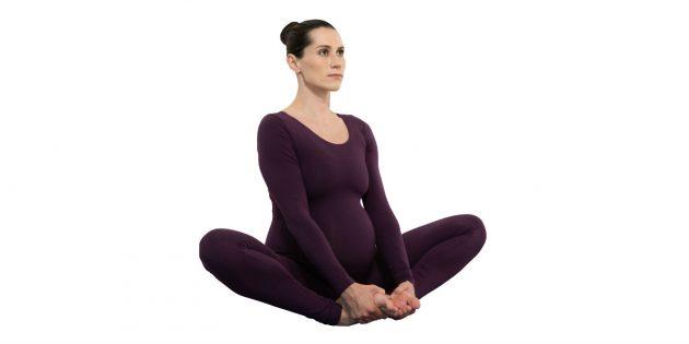 Позы в йоге для беременных: бабочка (баддха конасана)