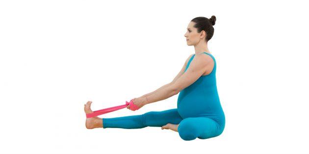 Йога для беременных: поза головы на колене (джану ширшасана)