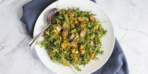 Рецепты: Салат с тыквой, руколой, помидорами и песто