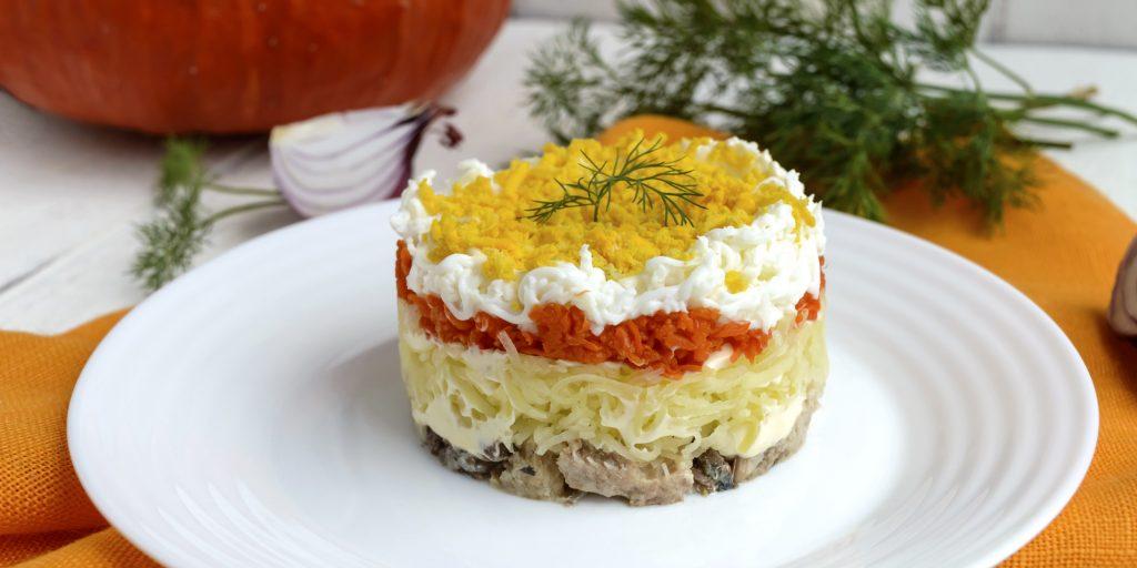 Салат с консервированной горбушей и картошкой