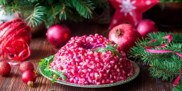 Рецепт салата «Гранатовый браслет» со скумбрией