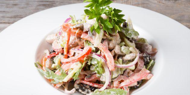 Салат с ветчиной и фасолью: простой рецепт
